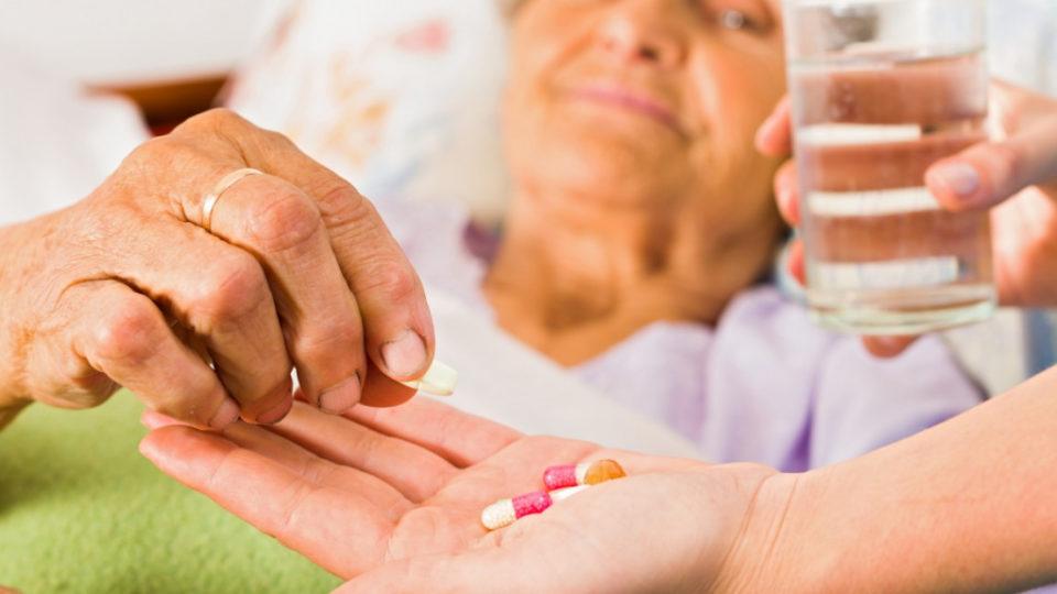 Уход за пожилыми с болезнью Альцгеймера в пансионате «Гармония»