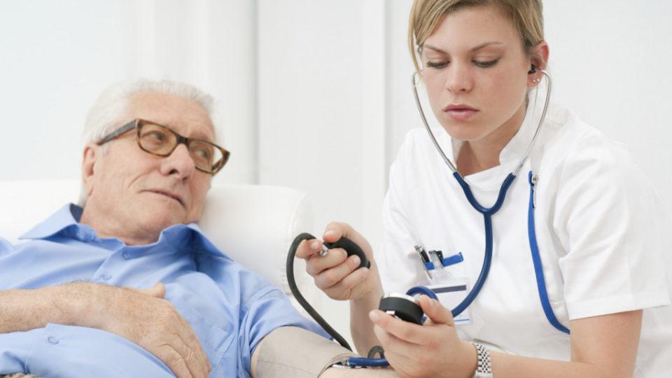 Уход за пожилыми с гипертонией