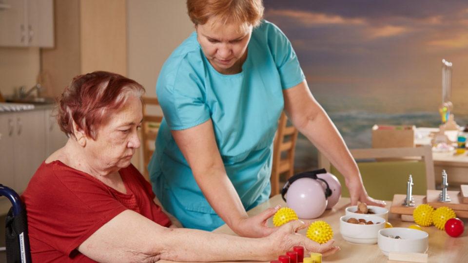 Реабилитация пожилых после инсульта