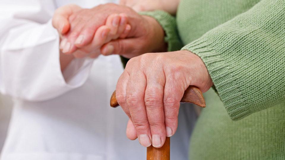 Уход за пожилыми с болезнью Паркинсона