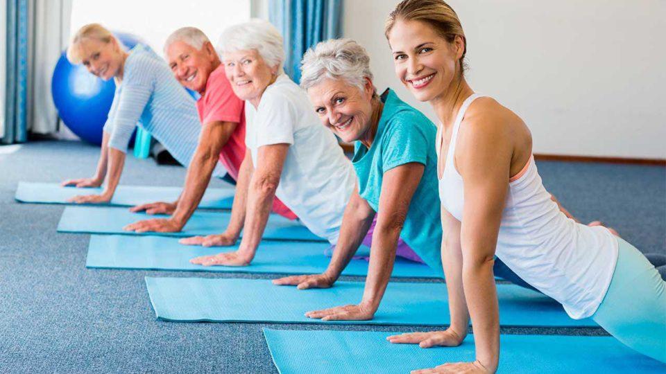 ЛФК для людей пожилого возраста: чем полезна