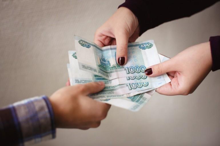 Как вернуть деньги за покупку техники пенсионеру