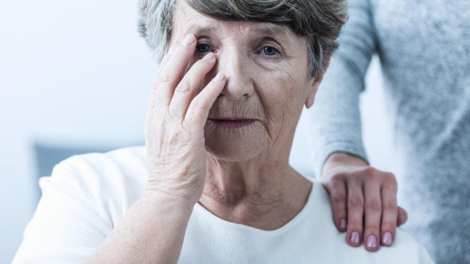 Признаки старческой деменции – как вовремя выявить болезнь