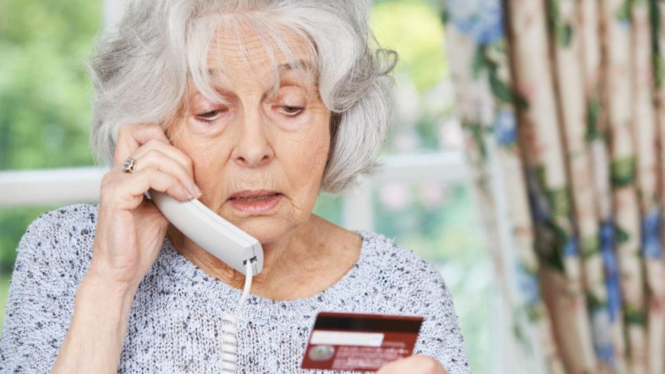 Внимание – аферисты! Как уберечь пенсионера от «развода» мошенников?